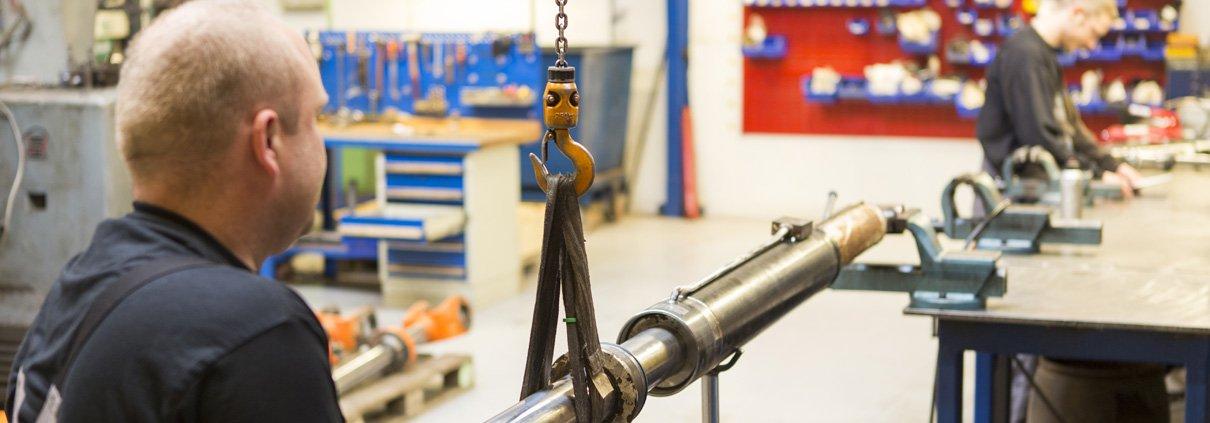 Reparaturen von Hydraulik Zylindern